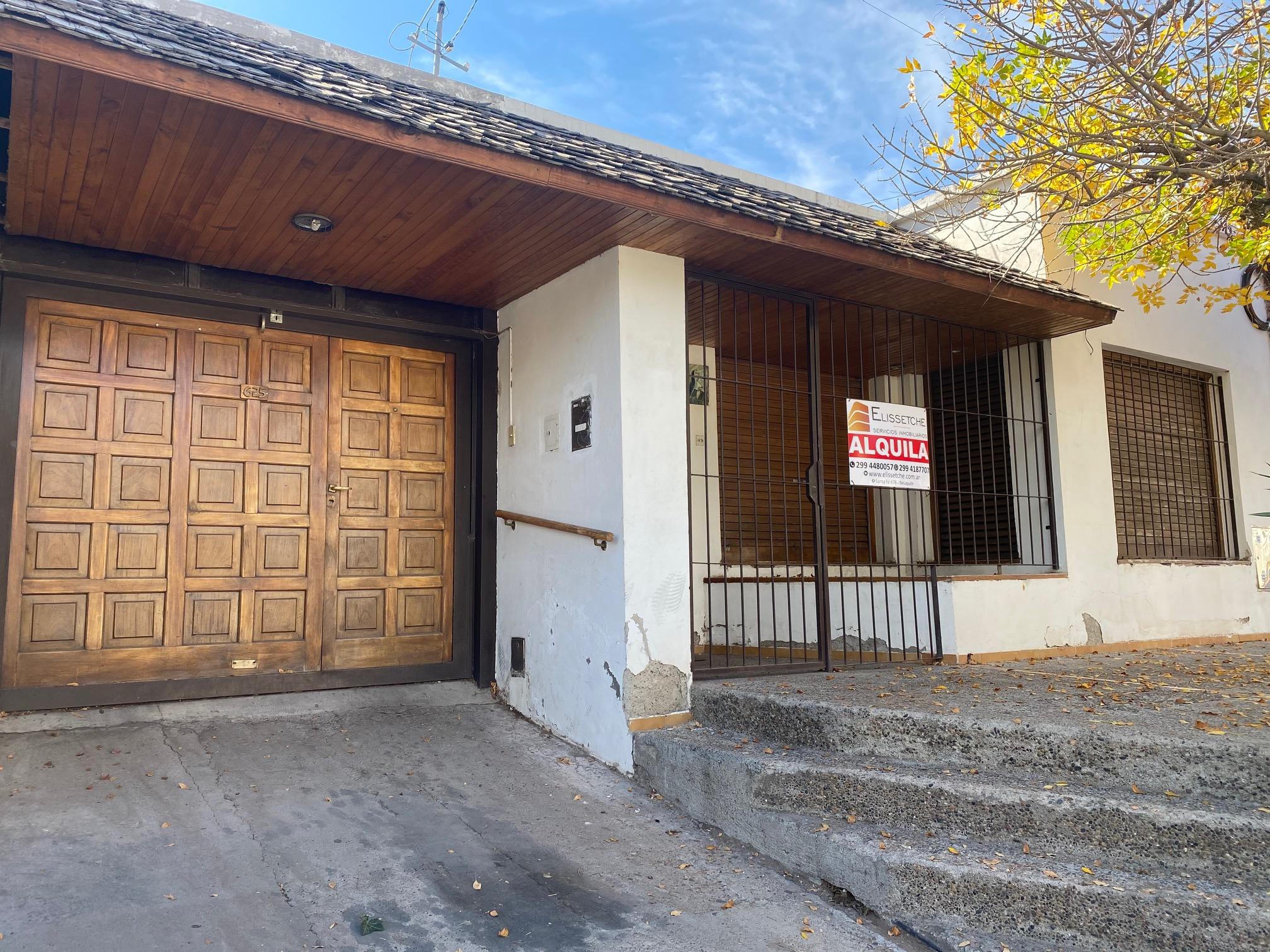 Casa en Alquiler para uso comercial, Ideal consultorios u Oficinas