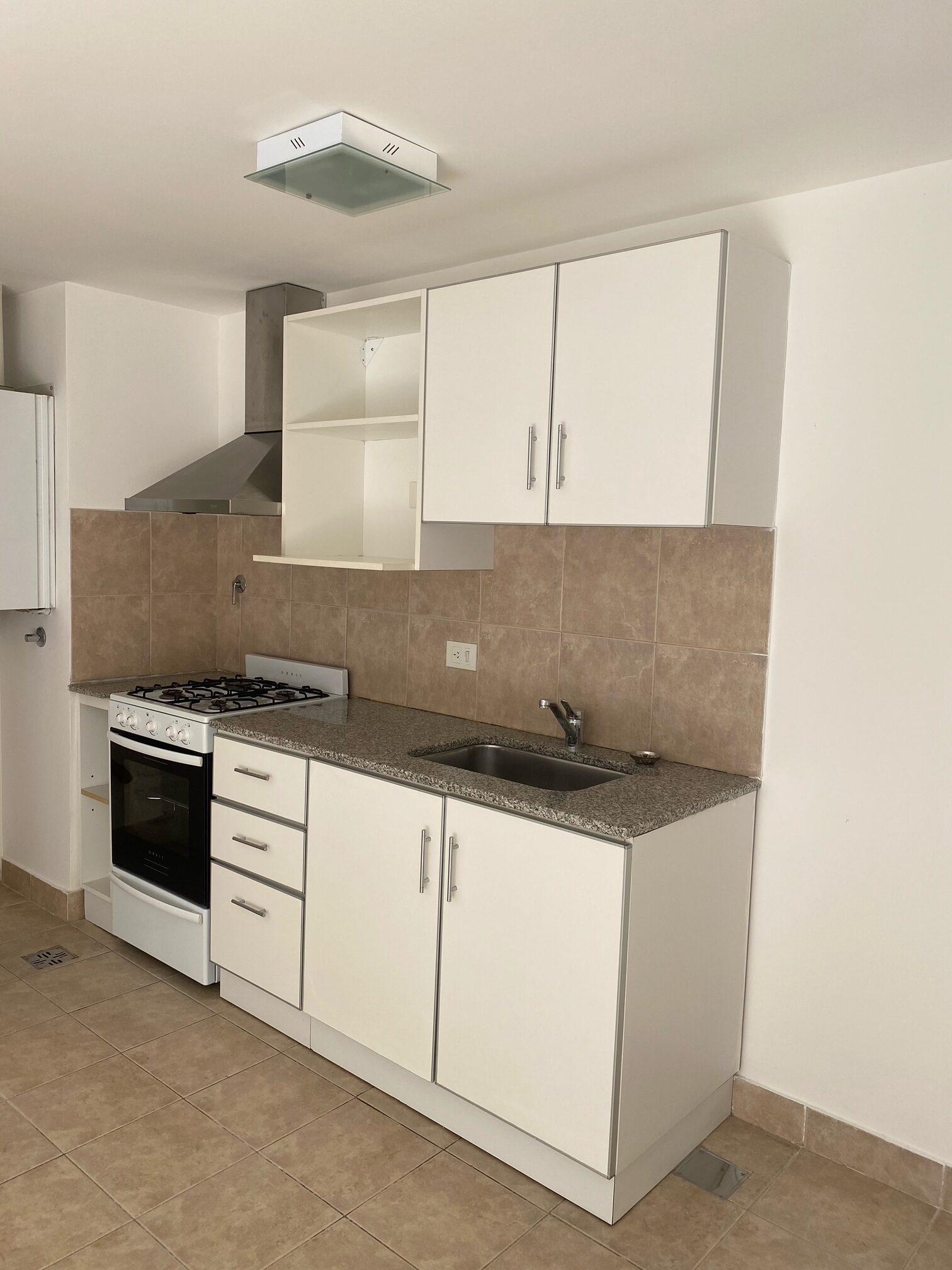 Departamento de 1 dormitorio en venta Caviahue 224, zona centro alto.